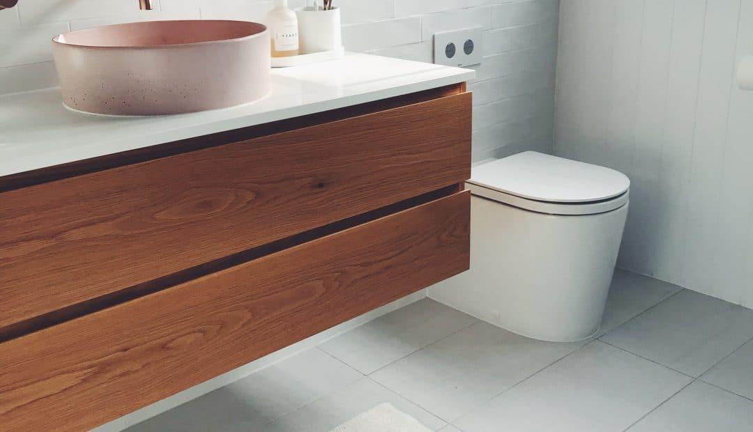 Quelle est la hauteur d'une vasque de salle de bain ?